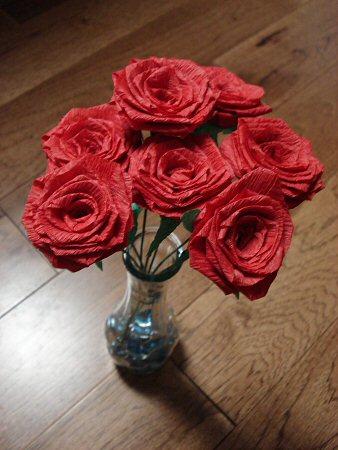 Поделка роза из гофрированной бумаги