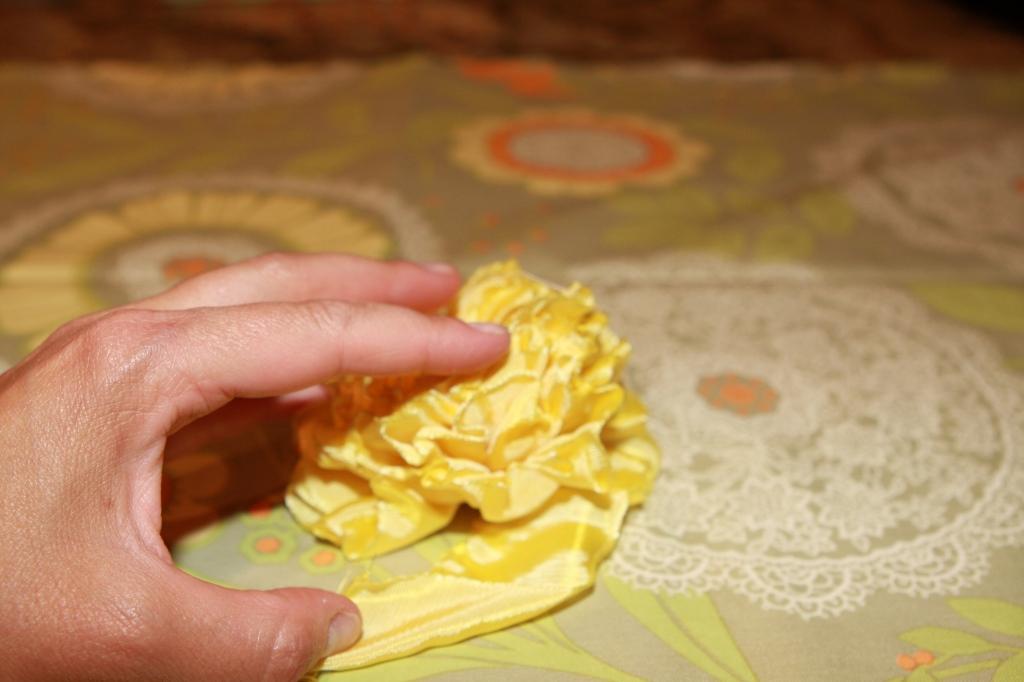цветы из ткани и лент своими руками мастер класс