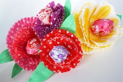 Цветы из фантиков своими руками мастер класс