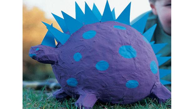 игрушка из папье маше динозавр