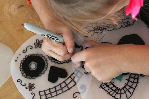 Маска скелета на Хеллоуин