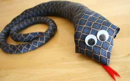 Добрая змея из папиного галстука (4)
