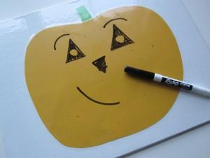 Поделки на Хеллоуин - Светильник Джека в бумажном исполнении (4)