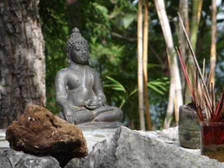 маленькая статуя Будды