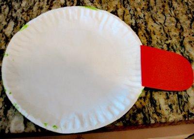 Поделки из одноразовых тарелок - Лягушка (2)