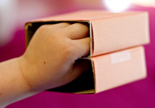 Поделка для игры - игрушки из коробков (7)