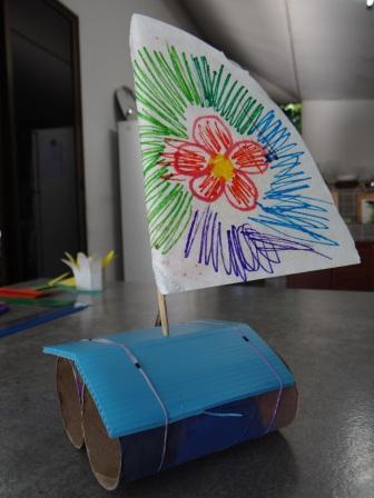 Как сделать катамаран - кораблик из бумаги своими руками (7)