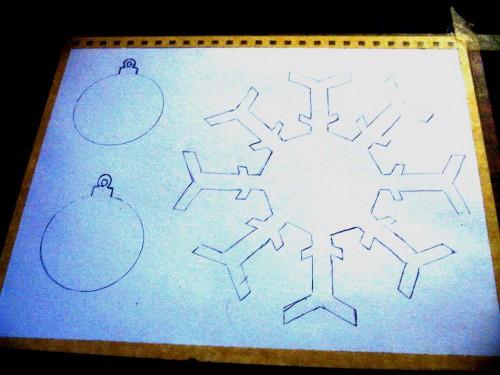 Новогодние поделки своими руками из бумаги - как сделать объемную снежинку из бумаги (4)