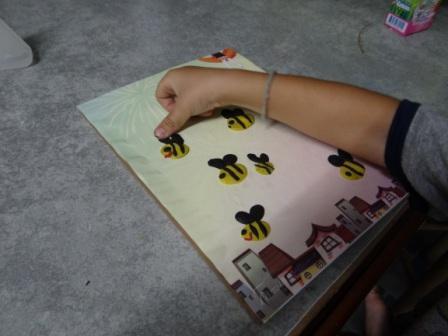 Поделка пчела - рисуем пластилином (3)