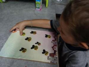 Поделка пчела - рисуем пластилином (2)