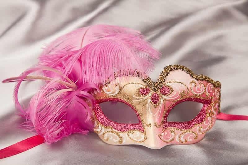 Маскарадную маску сделать
