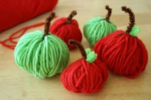 Поделка из пряжи - Детская поделка яблоко (5)