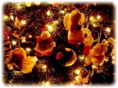 Елочные игрушки крючком - вязаные новогодние игрушки (3)