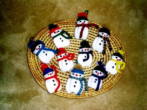 Елочные игрушки крючком - вязаные новогодние игрушки (5)