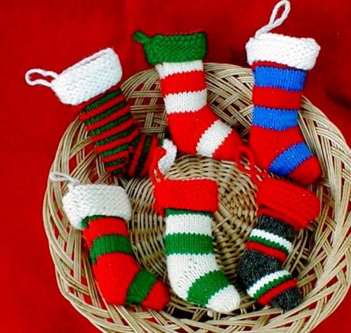 Елочные игрушки крючком - вязаные новогодние игрушки (6)