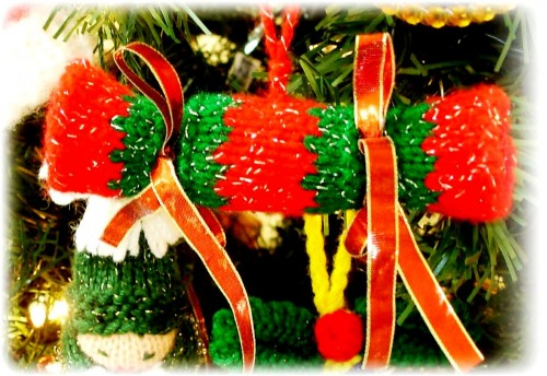 Елочные игрушки крючком - вязаные новогодние игрушки (15)