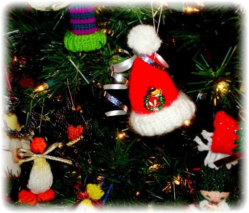 Елочные игрушки крючком - вязаные новогодние игрушки (36)