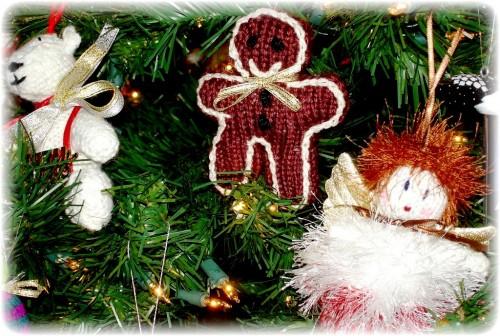 Елочные игрушки крючком - вязаные новогодние игрушки (37)