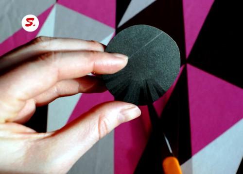 Как делать цветы из бумаги - сделать светильник своими руками (7)