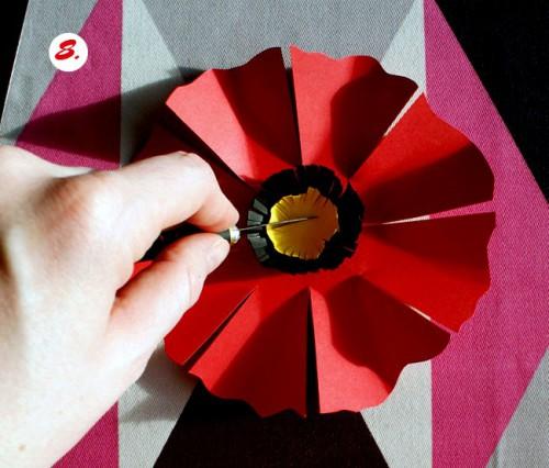 Как делать цветы из бумаги - сделать светильник своими руками (10)