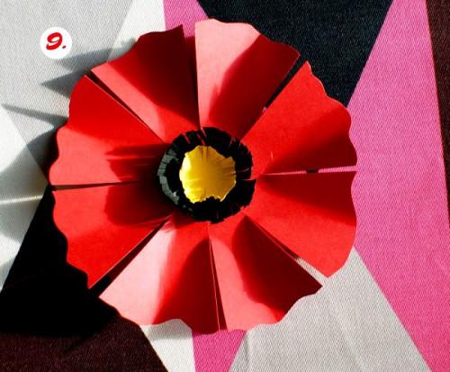 Как делать цветы из бумаги - сделать светильник своими руками (11)