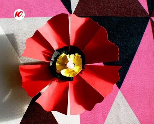 Как делать цветы из бумаги - сделать светильник своими руками (12)