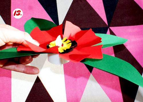 Как делать цветы из бумаги - сделать светильник своими руками (15)