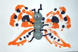 Поделка для старшей группы - Как появляются бабочки (6)