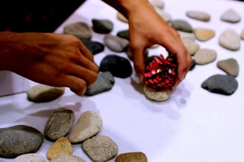 Поделки из природного материала своими руками - елка руками (7)