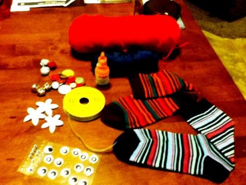 Новогодние игрушки поделки своими руками - снеговики своими руками (6)