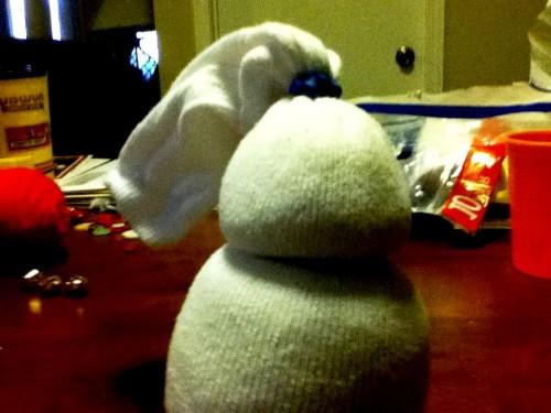 Новогодние игрушки поделки своими руками - снеговики своими руками (16)