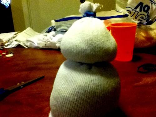 Новогодние игрушки поделки своими руками - снеговики своими руками (17)