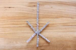 Снежинка из бисера: украшение новогодней ёлки (5)