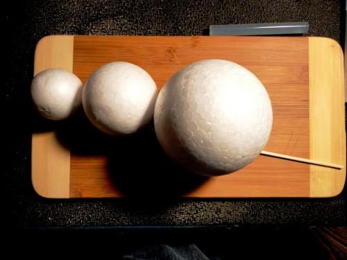Игрушки снеговики - фигуры из пенопласта (6)