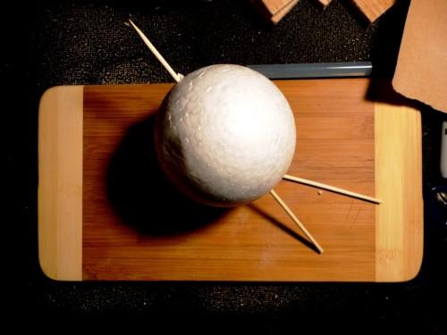Игрушки снеговики - фигуры из пенопласта (8)