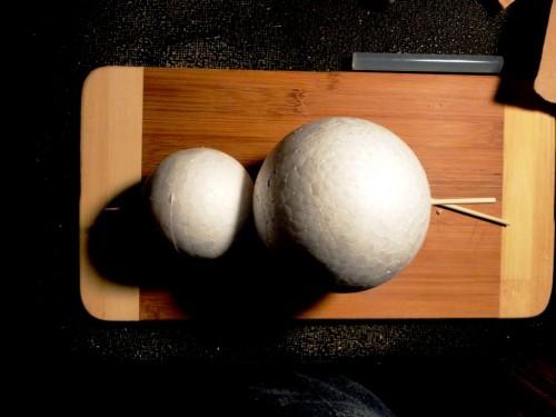 Игрушки снеговики - фигуры из пенопласта (9)