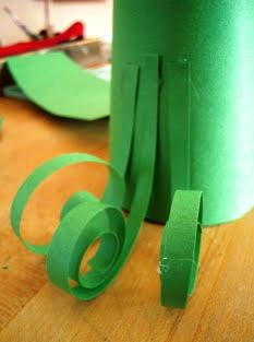 Как сделать ёлочку из бумаги (3)