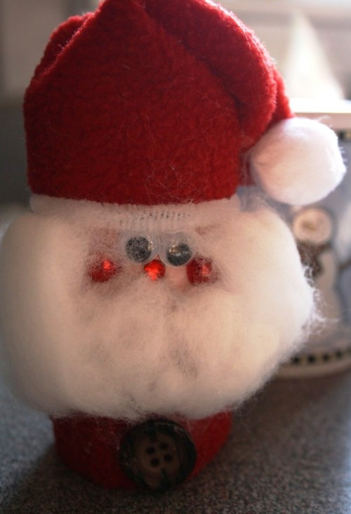 Фигурка деда мороза -детское творчество к Новому году (4)