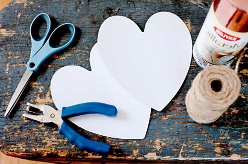 Поделка на День Влюбленных - гирлянда из сердечек (2)