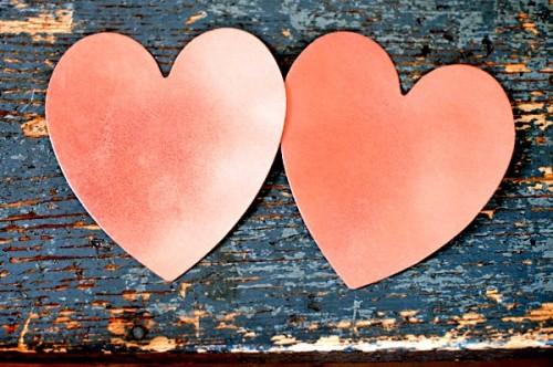 Поделка на День Влюбленных - гирлянда из сердечек (3)