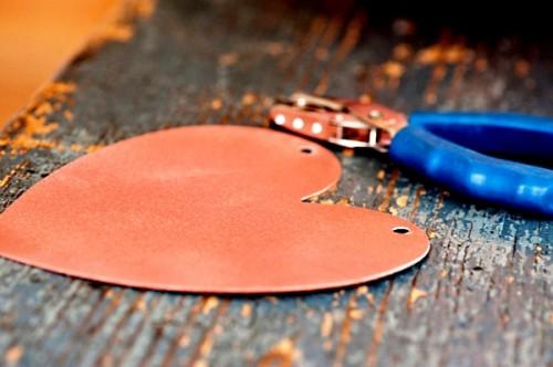 Поделка на День Влюбленных - гирлянда из сердечек (5)