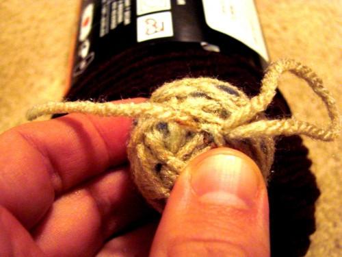 Как делать елочные игрушки - елочные шары своими руками (11)
