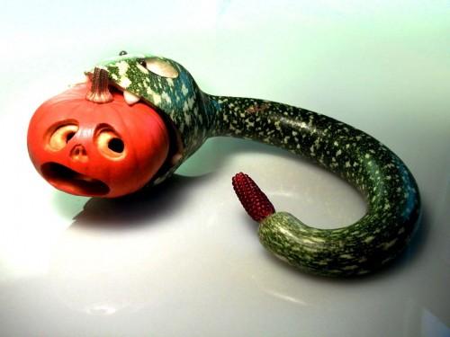Змея своими руками - поделка на Хеллоуин (1)