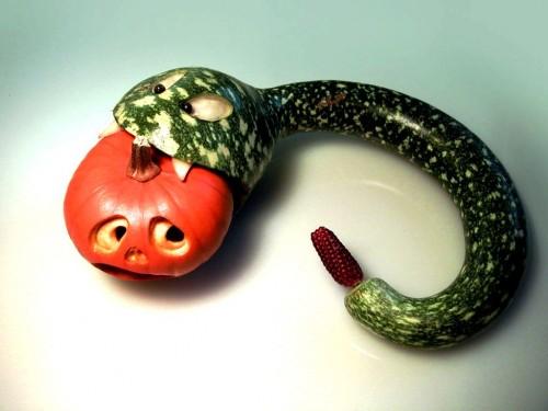 Змея своими руками - поделка на Хеллоуин (3)