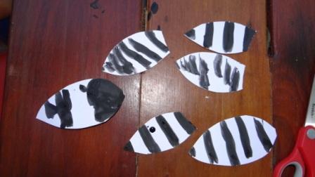 Аппликации из ладошек - пчела своими руками (4)