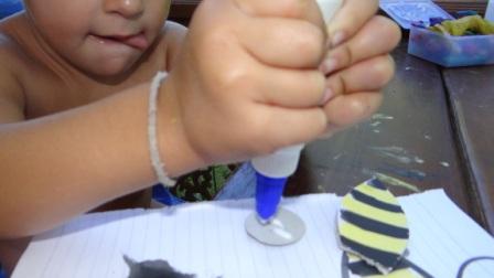 Аппликации из ладошек - пчела своими руками (2)