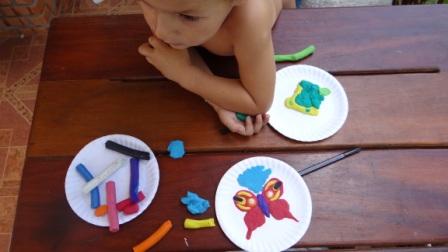 Бабочка из пластилина - поделки из бумажной тарелки (4)