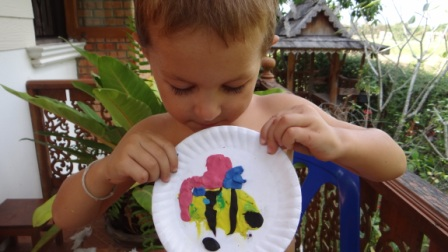 Бабочка из пластилина - поделки из бумажной тарелки (3)