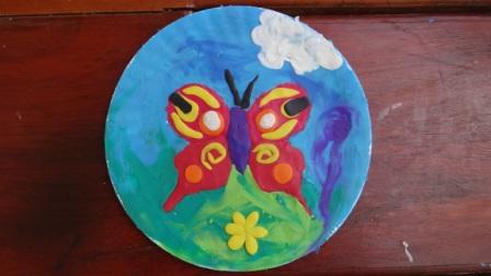 Бабочка из пластилина - поделки из бумажной тарелки (2)