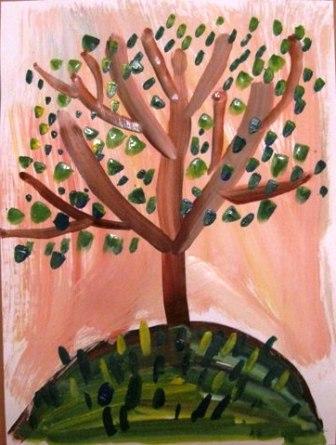 Рисование от 4 до 7 лет ДЕРЕВО РАСТЕТ История такая: в сказочной стране пустыня стала разрастаться, а это жара, сушь, ни воды ни тенечка. Решили сказочные жители пустыню в лес превратить, но сами не справляются. Если каждый хотя бы по одному дереву вырастит,так и пустыня отступит. (3)